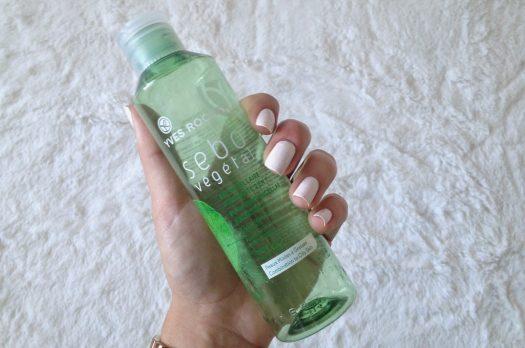 Avis partagé pour l'eau micellaire Yves Rocher 2 en 1