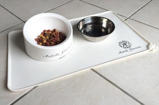 Accessoires pour chiens et chats Isabelle Courtenay