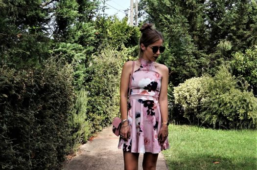 LOOK n°107 : Jolie robe à fleurs Boohoo