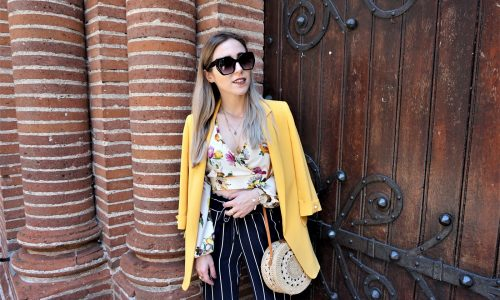 LOOK n°143 : Blazer jaune & pantalon à rayures
